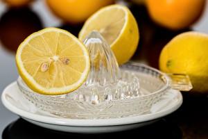 Backofen reinigen mit Zitronensaft
